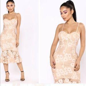 Fashion Nova Lace Mermaid Dress Cream Beige XS NWT